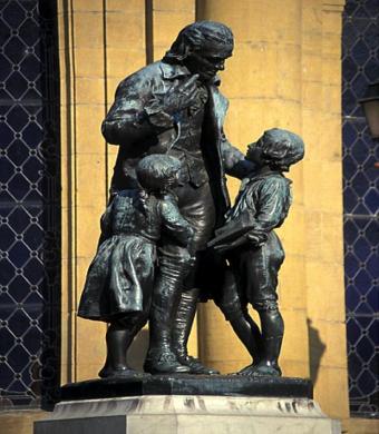 Heinrich statud